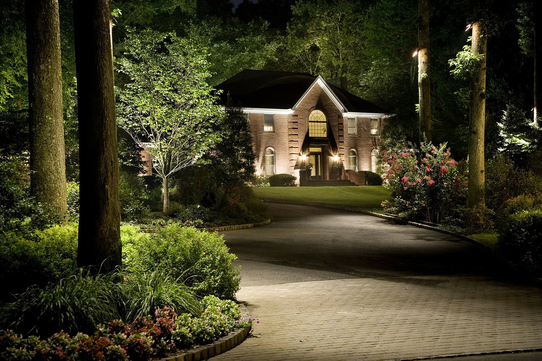 Beautiful Custom Design Outdoor Lighting in Siloam Springs, Arkansas.